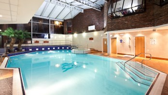 mercure bolton pool